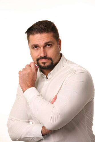Zdeněk Mikulášek - realitní makléř